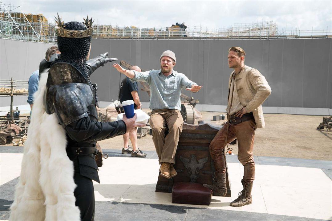 Rey Arturo: La leyenda de Excalibur : Foto Charlie Hunnam, Guy Ritchie