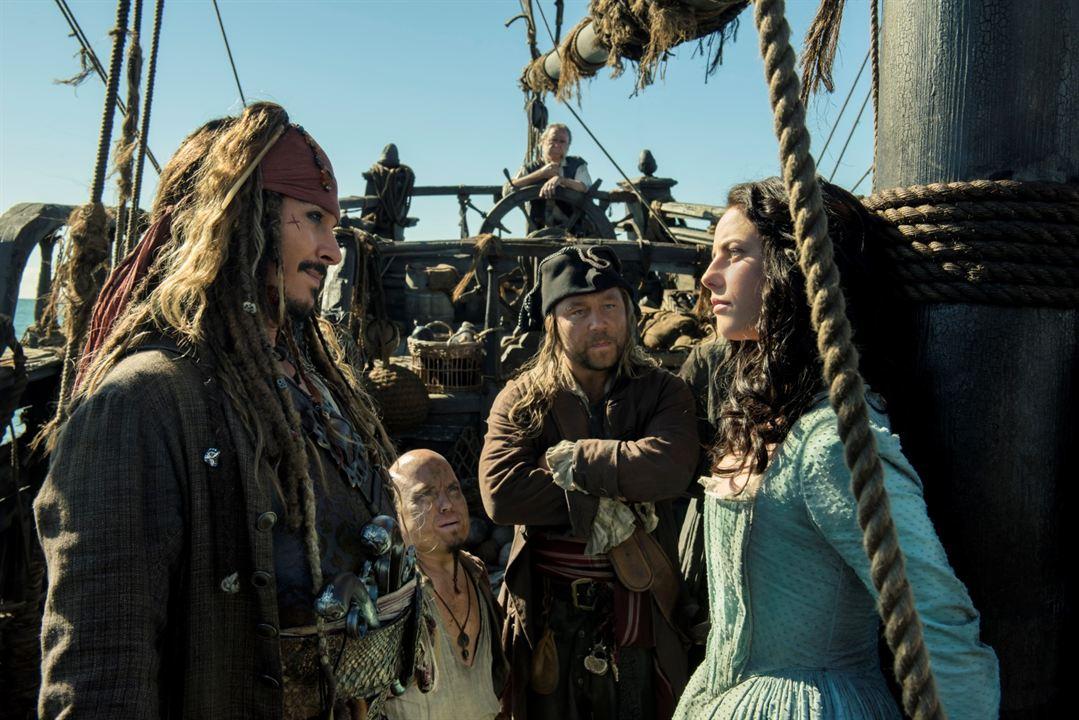 Piratas del Caribe: La venganza de Salazar : Foto Johnny Depp, Kaya Scodelario, Martin Klebba, Stephen Graham