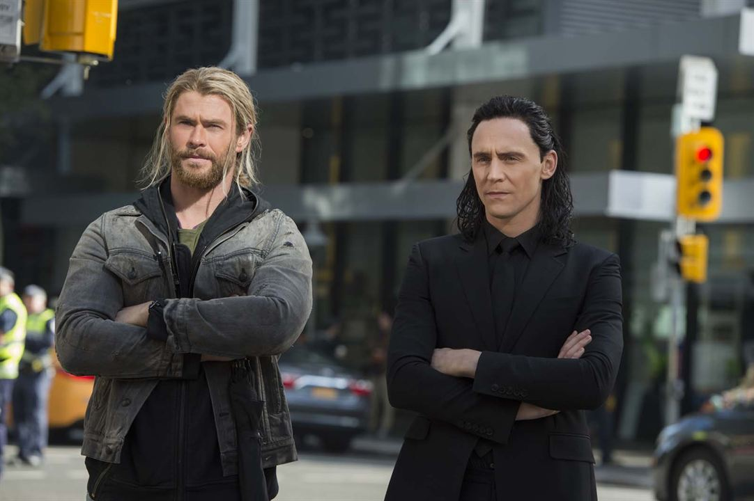 Thor: Ragnarok : Foto Chris Hemsworth, Tom Hiddleston