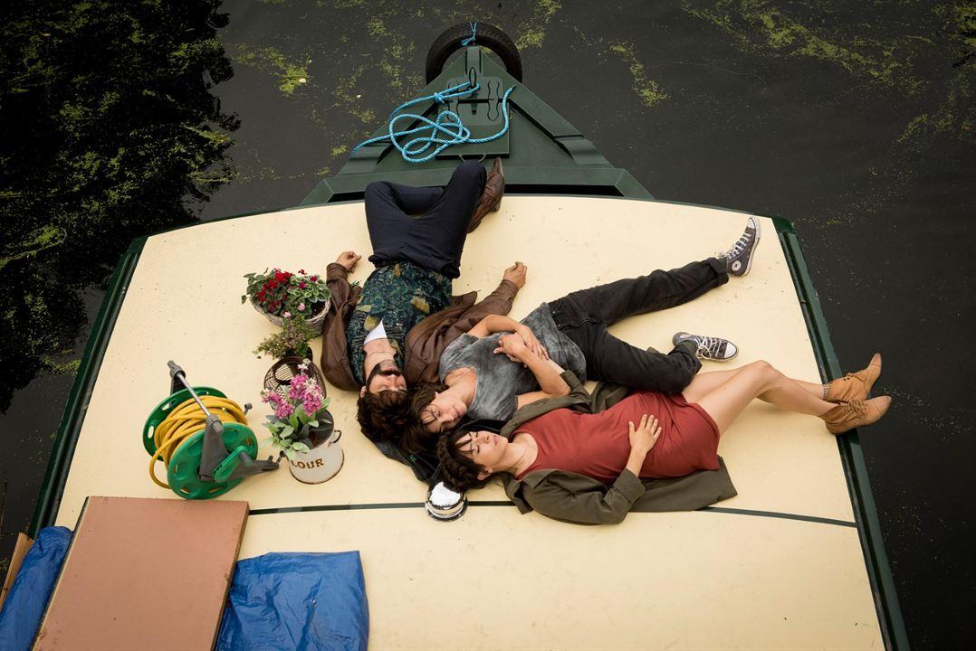 Tierra firme : Foto David Verdaguer, Natalia Tena, Oona Chaplin