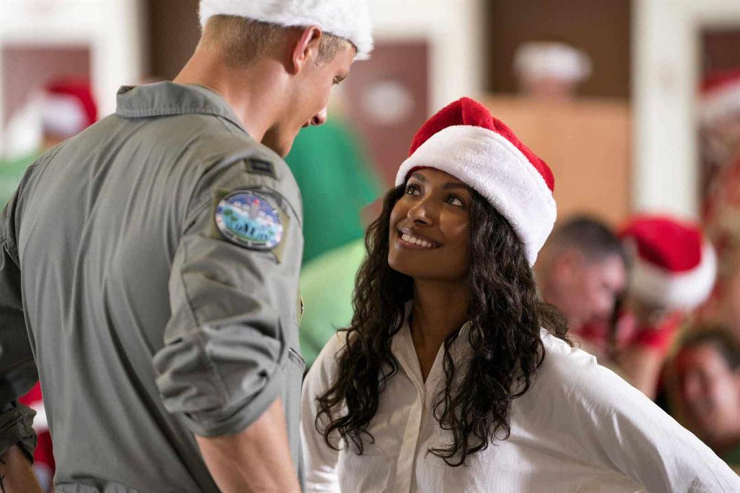 Operación Feliz Navidad : Foto Alexander Ludwig, Kat Graham
