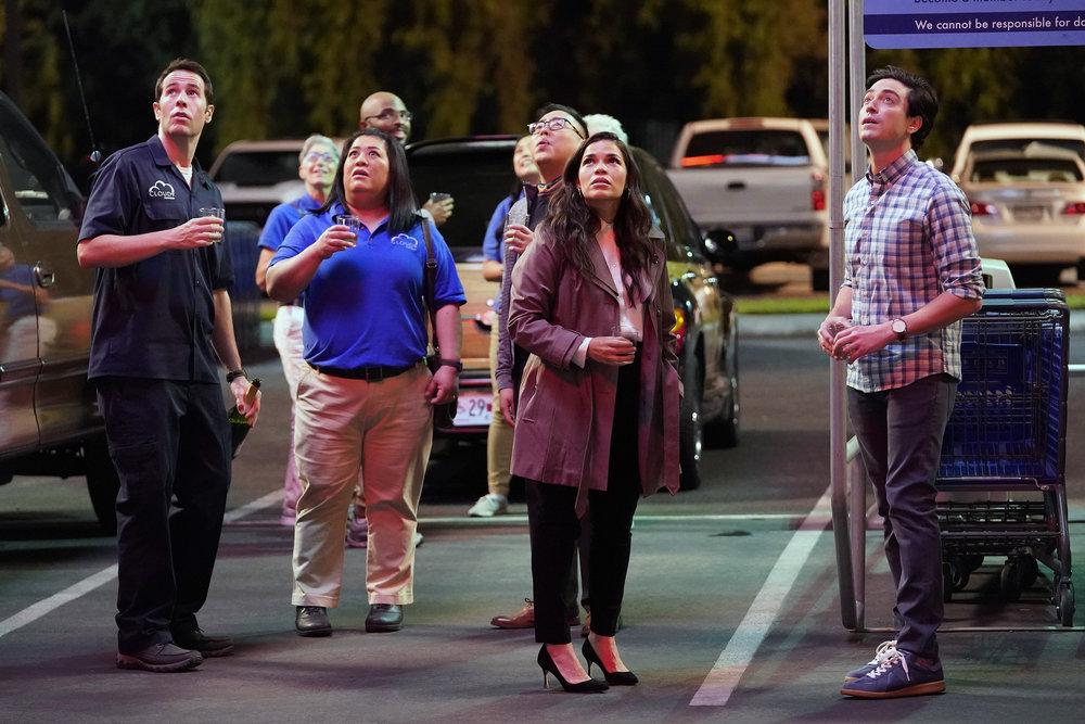 Foto America Ferrera, Ben Feldman, Jon Barinholtz, Kaliko Kauahi, Nico Santos