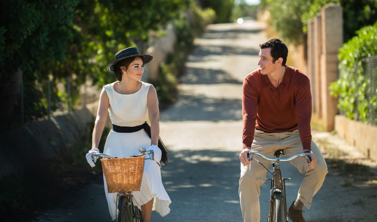The Last Letter From Your Lover : Foto Callum Turner, Shailene Woodley