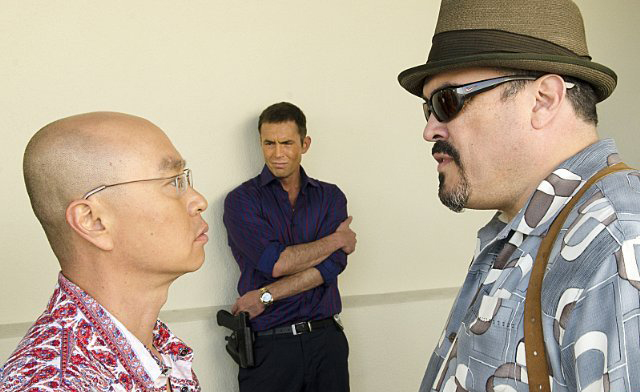 Foto C.S. Lee, David Zayas, Desmond Harrington